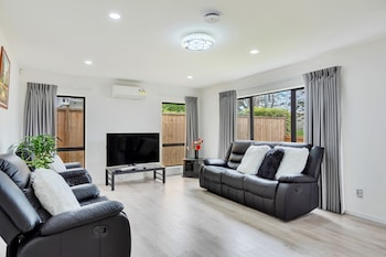 Picture of Superb Holiday Home near to Airport in Auckland