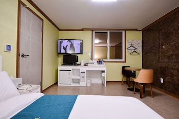 Picture of Jewelry Motel in Yeosu