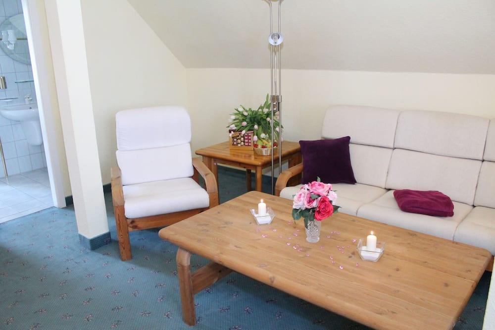 Suite, 1 Queen-Bett, Nichtraucher - Wohnbereich
