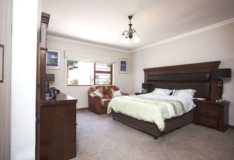 Spacious Garden Cottage, Sandton