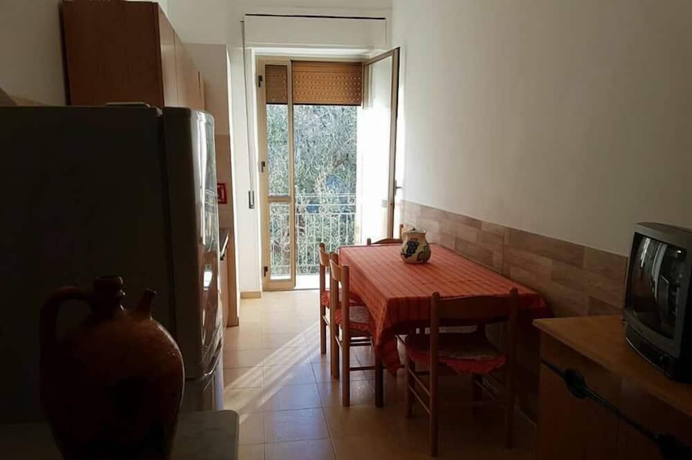 Apart Daire, 2 Yatak Odası, Veranda, Bahçe Manzaralı - Odada Yemek Servisi