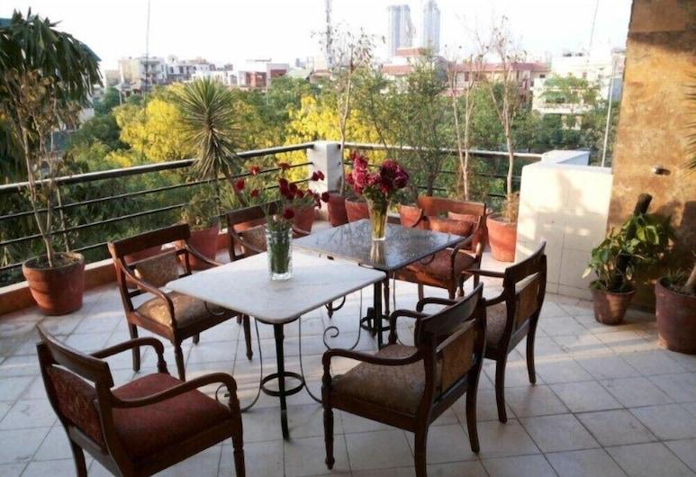 Sovereign Residency, Noida, Balcon