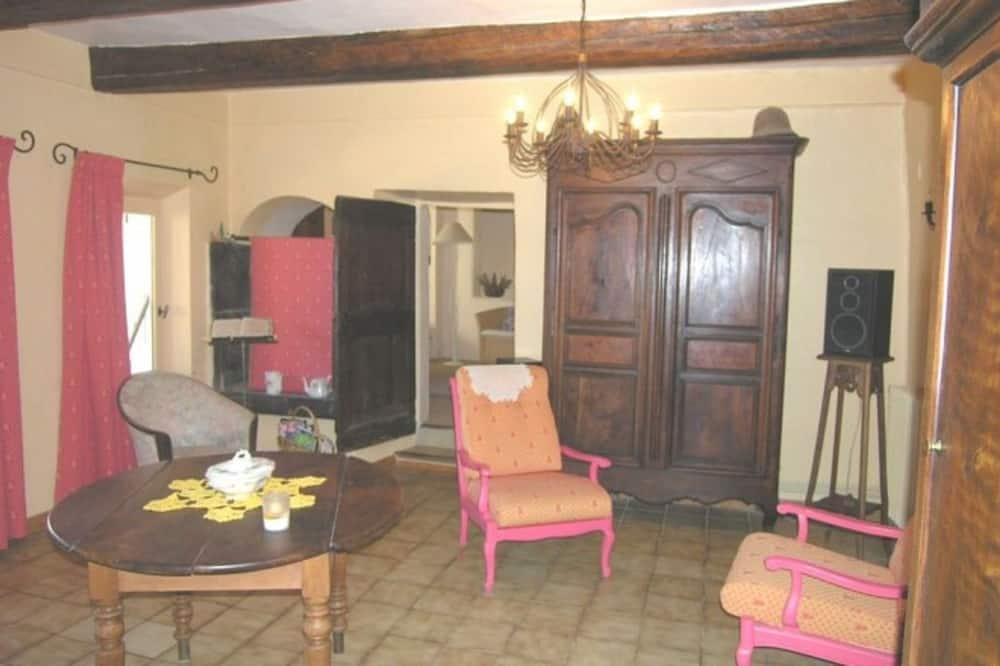 Comfort Suite - Living Room