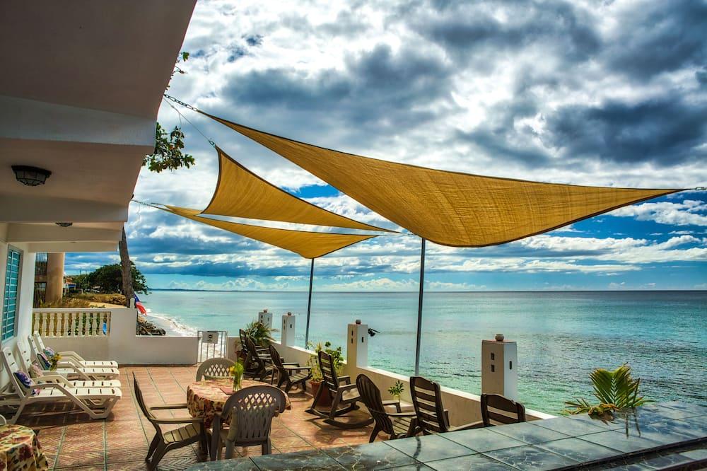 Coconut Palms Inn On The Beach