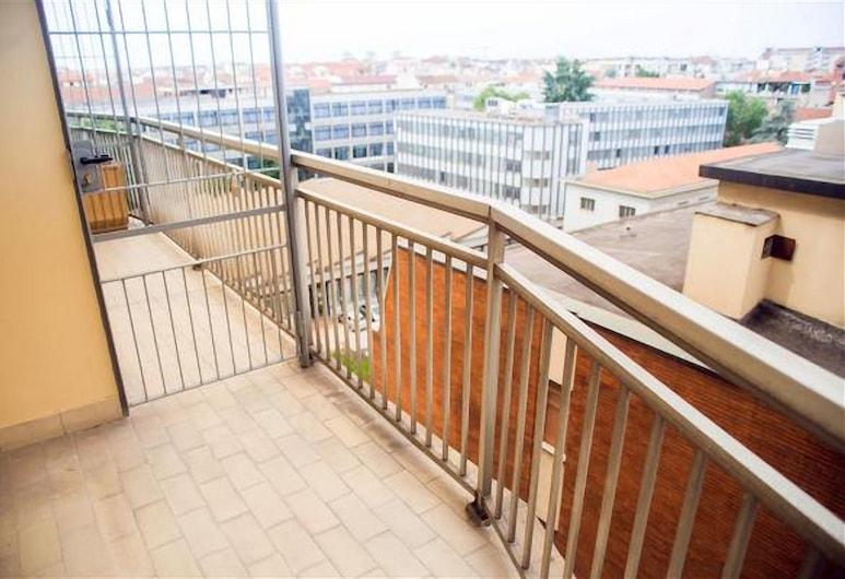 Loreto 5, Milan, Studio, Balcony