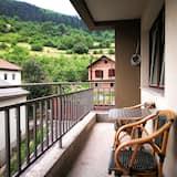 Comfort Apartment, 2 Bedrooms, Balcony, Mountain View - Balcony