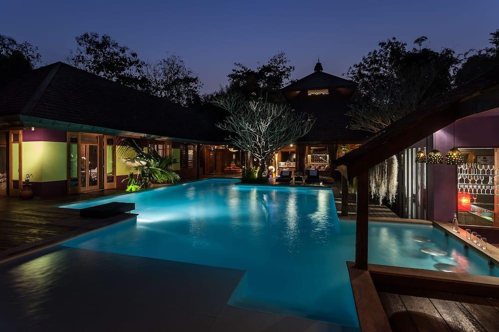 Design Villa, 4 Bedrooms, Private Pool - Swim-up bar
