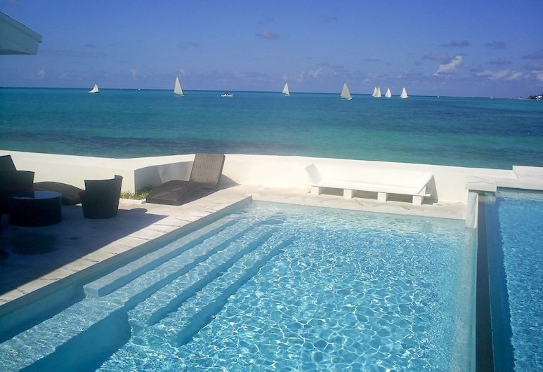 Art Retreat Bahamas, Nassau, Piscine à débordement
