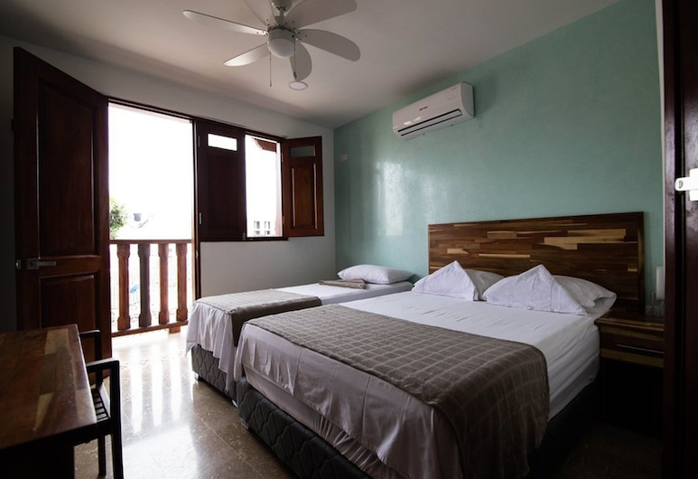Hotel Casa Centenario, Cartagena, Basic Triple Room, Multiple Beds, Non Smoking, Guest Room