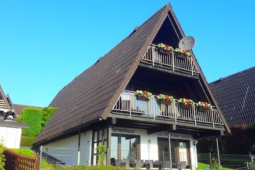 3ベッドルーム、2バスルーム、2バルコニー、2テラスのある別荘/