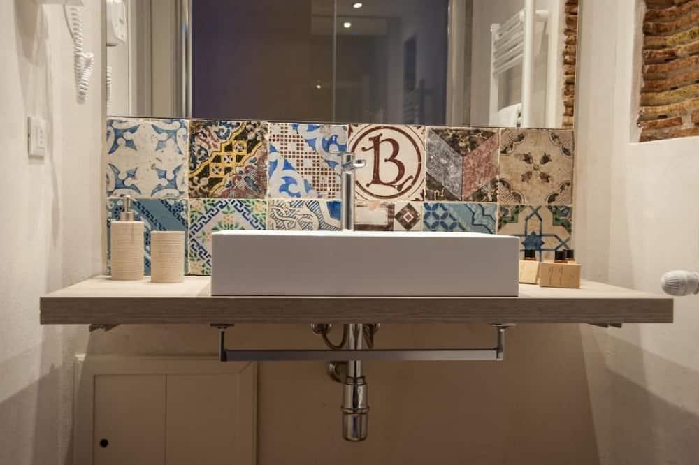 Dreibettzimmer, Gartenblick (4) - Badezimmer