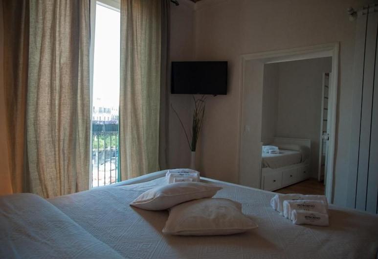B&B Petrosino, Palermo, Triple Room, Garden View (4), Guest Room