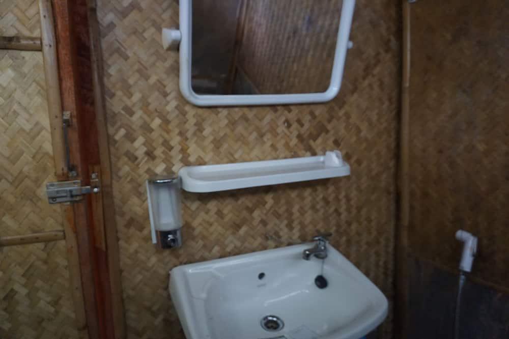 Bungalow, 1 Double Bed, Non Smoking - Bathroom