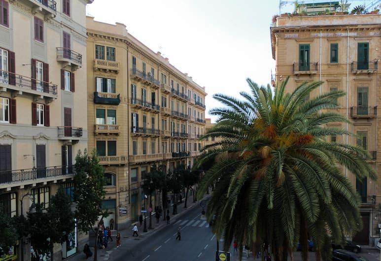 On the way Hostel, Palermo, Vista dall'hotel