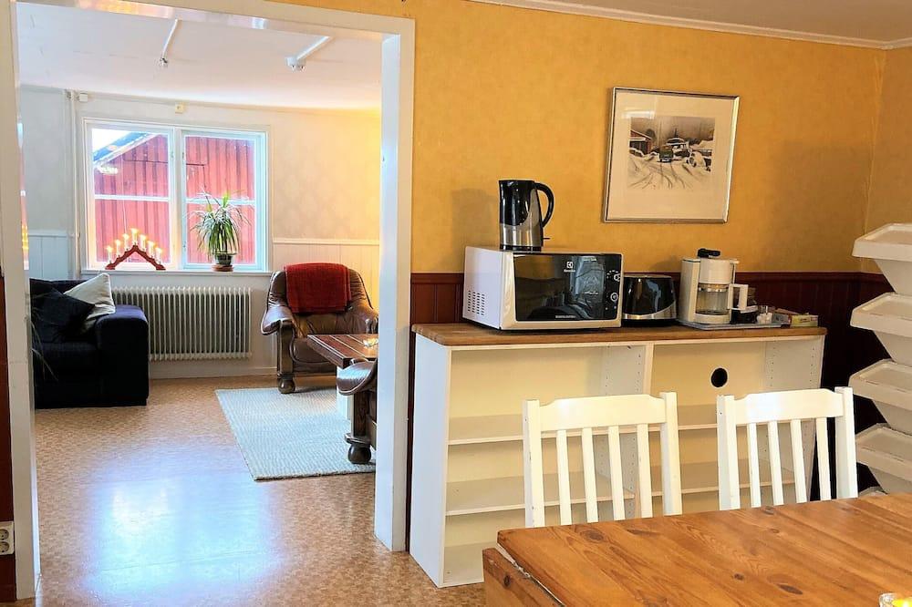 Camera Basic con 2 letti singoli - Cucina in comune