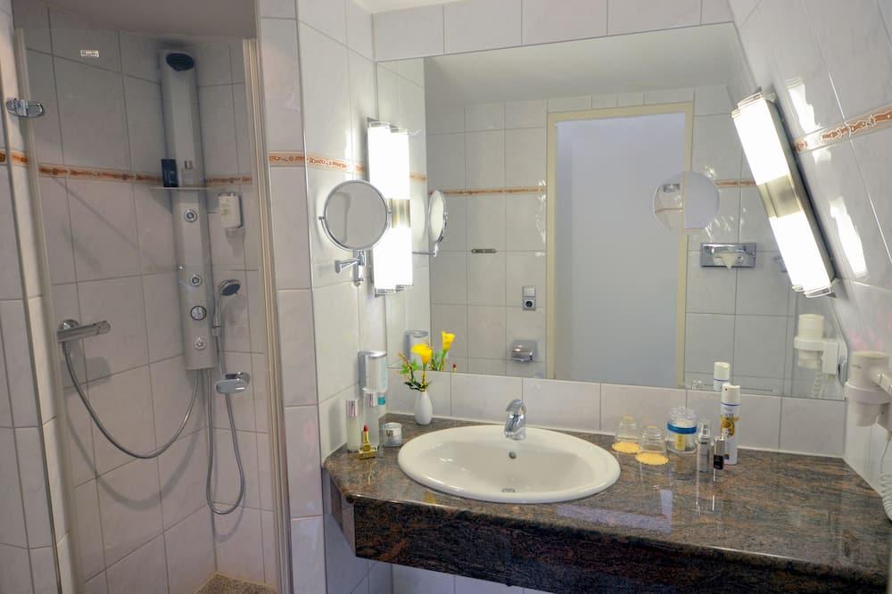 Doppelzimmer, Meerblick - Badezimmer