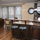 Appartement Affaires, 2 chambres, coin cuisine, vue cour intérieure - Salle de séjour