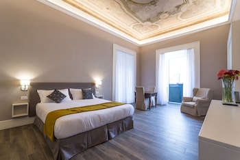 Viime hetken hotellitarjoukset – Napoli