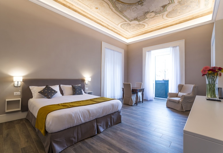 Foro Carolino, Naples, Superior Double or Twin Room, Guest Room