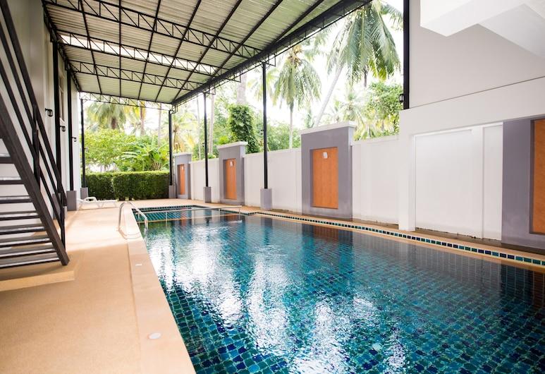 OYO 340 奧南阿哈德套房飯店, 喀比, 室外游泳池