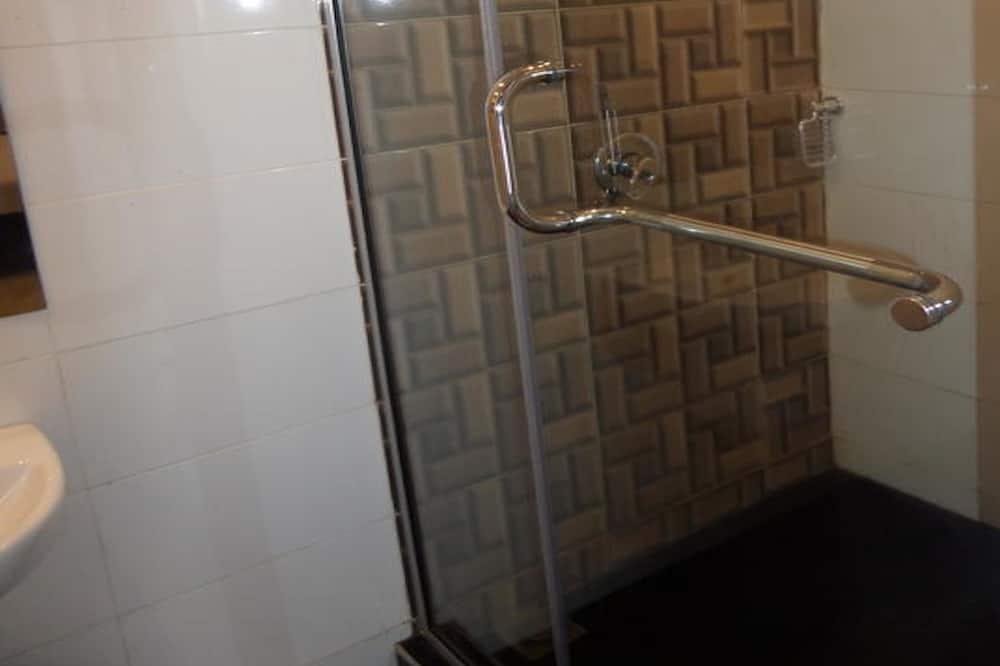 King Room  - Bathroom Shower