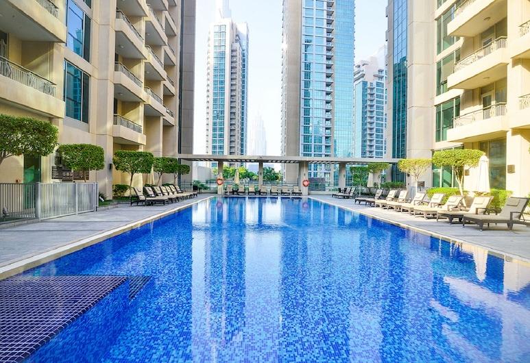 Metropolis - Ease by Emaar, Dubajus, Lauko baseinas