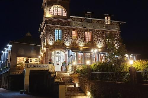 克洛谢科尔内维尔酒店/