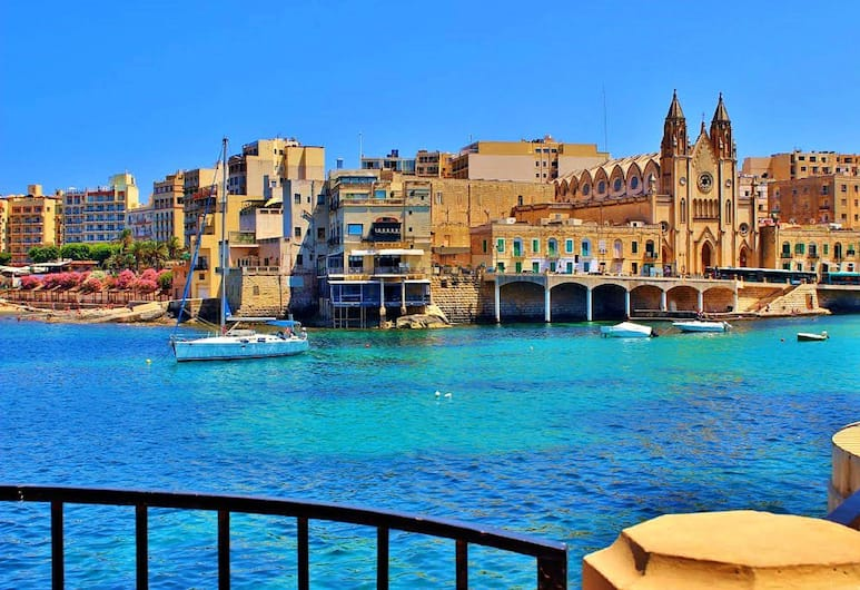 Seaview Apart IN Fort Cambridge With Pool, Sliema