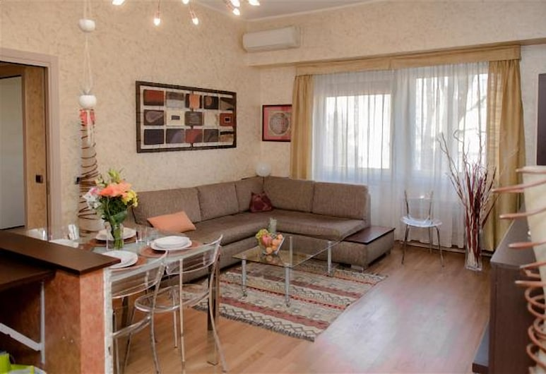 Porta Romana 51, Milan, Apartment, 2 Bedrooms, Living Area