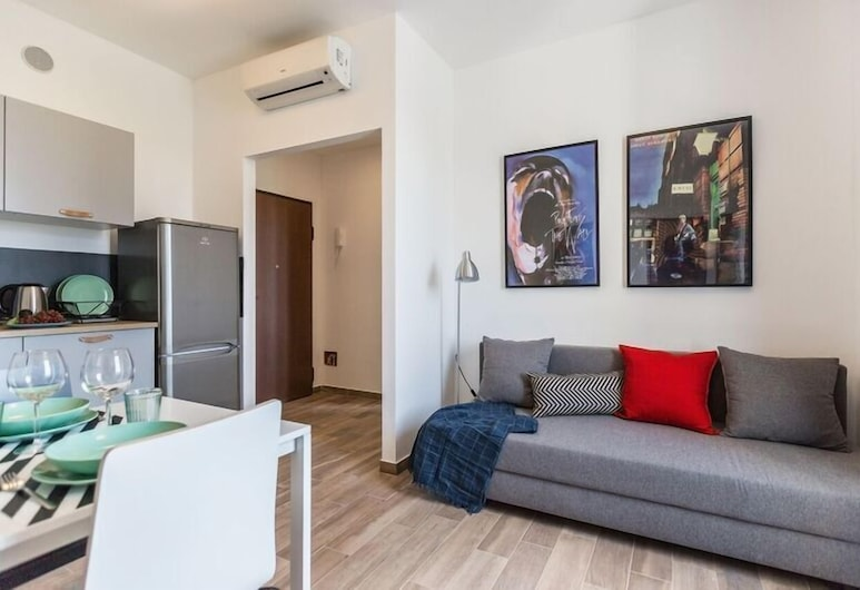 Certosa 4A, Milan, Apartment, 1 Bedroom, Living Room