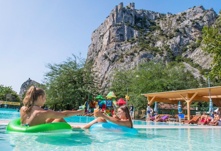 Camping Zoo, Arco, Outdoor Pool