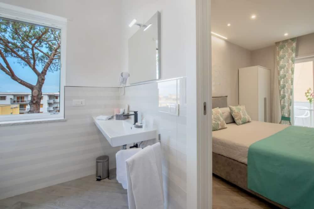 Phòng đôi Superior, Quang cảnh một góc biển - Phòng tắm