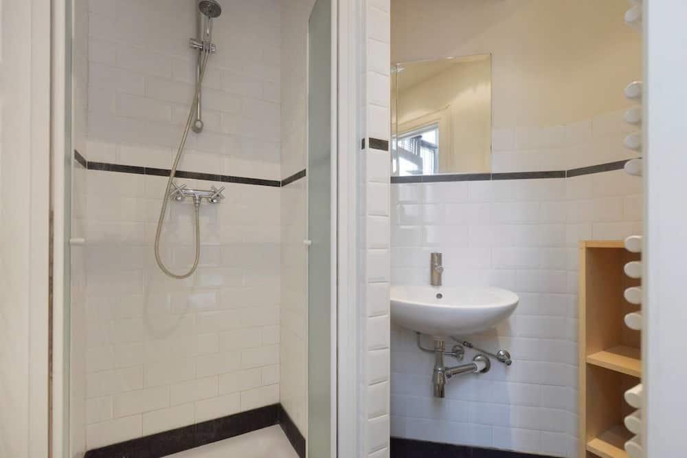 Апартаменти, 1 ліжко «квін-сайз» та розкладний диван, для некурців - Ванна кімната
