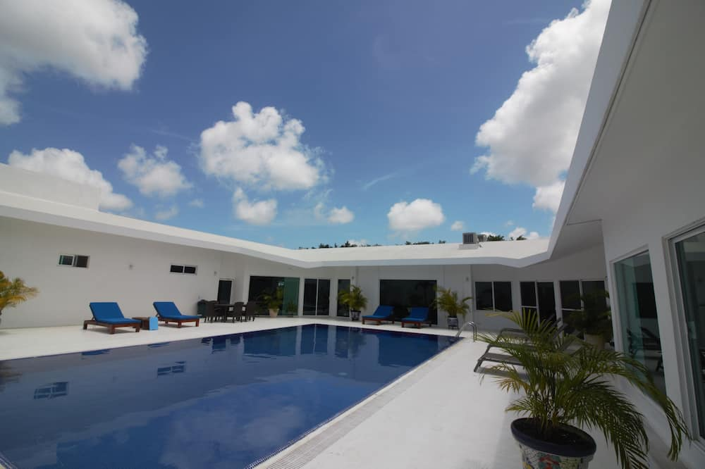 Family House, Multiple Bedrooms, Private Pool - Pool