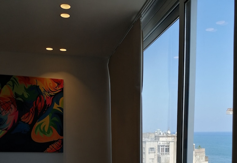 B RESIDENCE, Beirut, Executive Studio Suite, 1 Queen Bed, Non Smoking, Living Room
