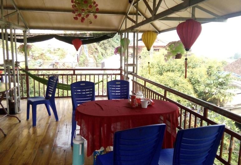 Hoang Hop Homestay - Hostel, Ba Be, Balkon