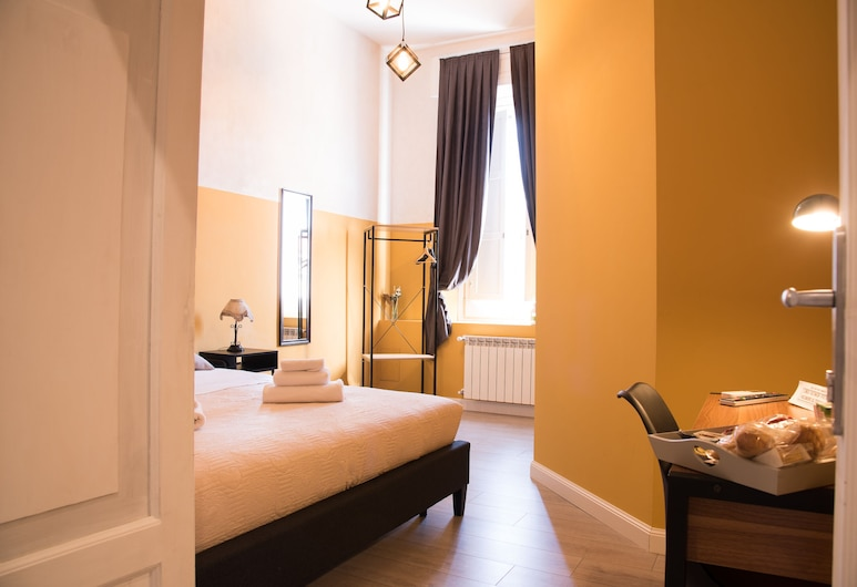 B&B  Lumiere Roma, Rome, Deluxe Double Room, Guest Room