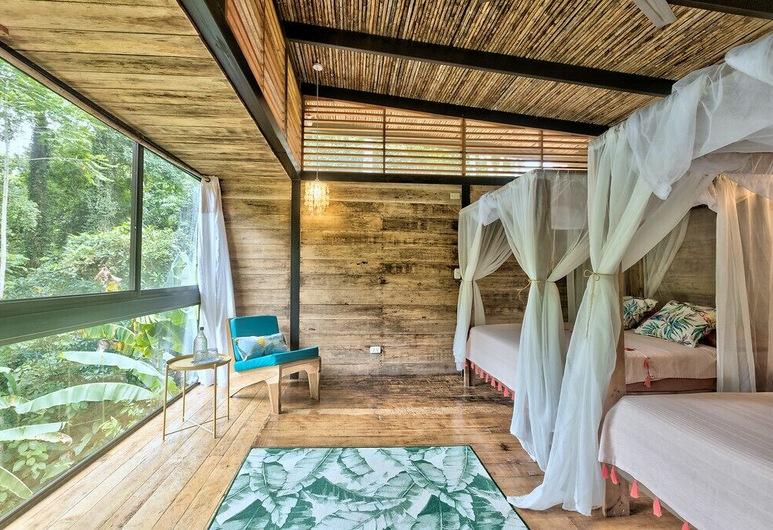 La Shamana Ecolodge, Cahuita, Habitación Deluxe con 2 camas individuales, Varias camas, vista a la montaña, Vista desde la habitación