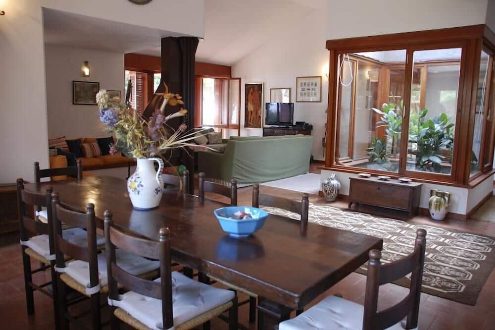 Villa, Multiple Bedrooms - In-Room Dining