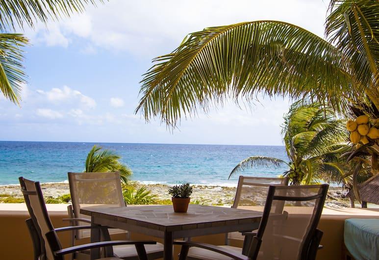 Ocean View Apartments by Homing Bird, Puerto Aventuras, Beach