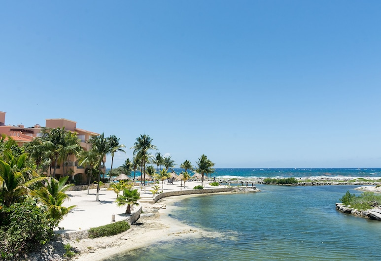Costa Brava B2. The Horizon Right in Front Your Sight, Puerto Aventuras, Beach