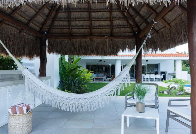 Casa Caleta, Surrounded by Nature, Ideal for Large Groups, Xpu-Ha, Villa de lujo (5 Bedrooms), Terraza o patio