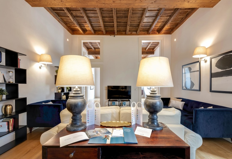 Sweet Inn - Pantheon View, Rome, Apartment, 3 Bedrooms, Living Area
