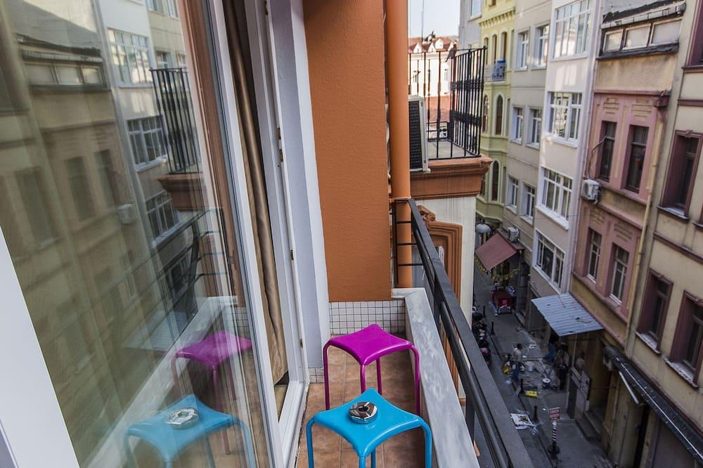 Pokój dwuosobowy typu Deluxe, przystosowanie dla niepełnosprawnych - Balkon