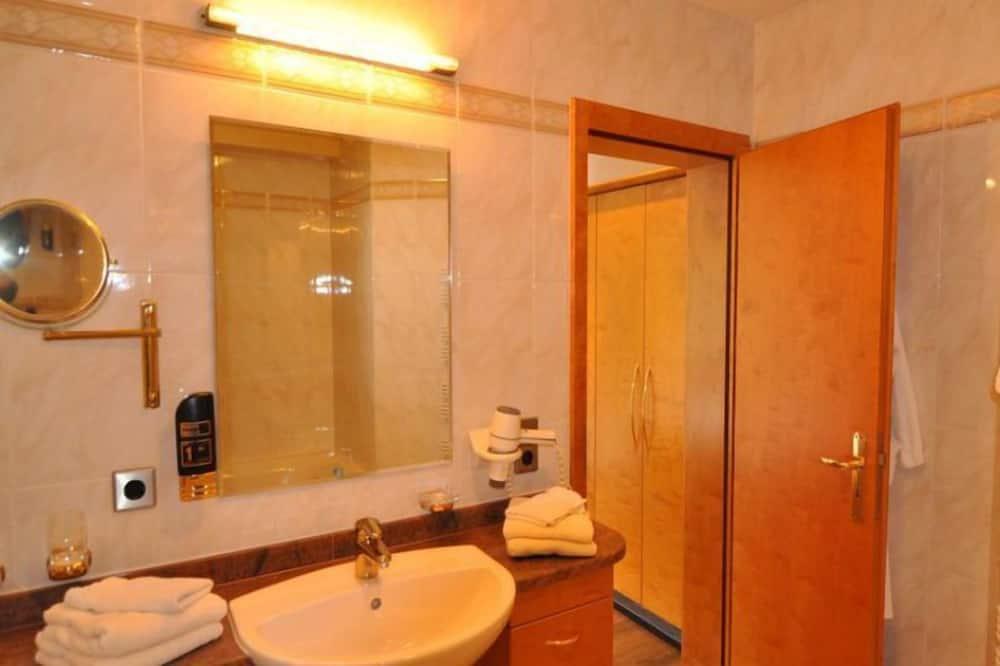 尊尚套房 - 浴室