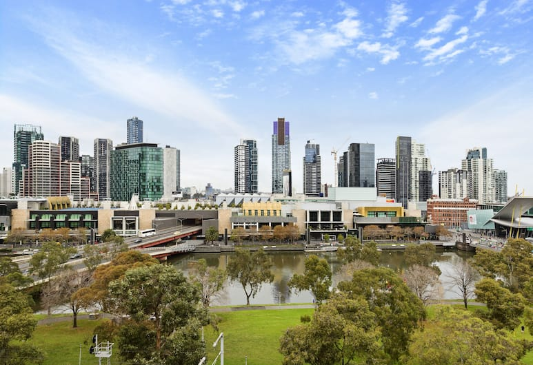 Viste Della Fortuna - Rejuvenate Stays , Melbourne, Panoramic Apartment, 1 Bedroom, River View, Balcony View