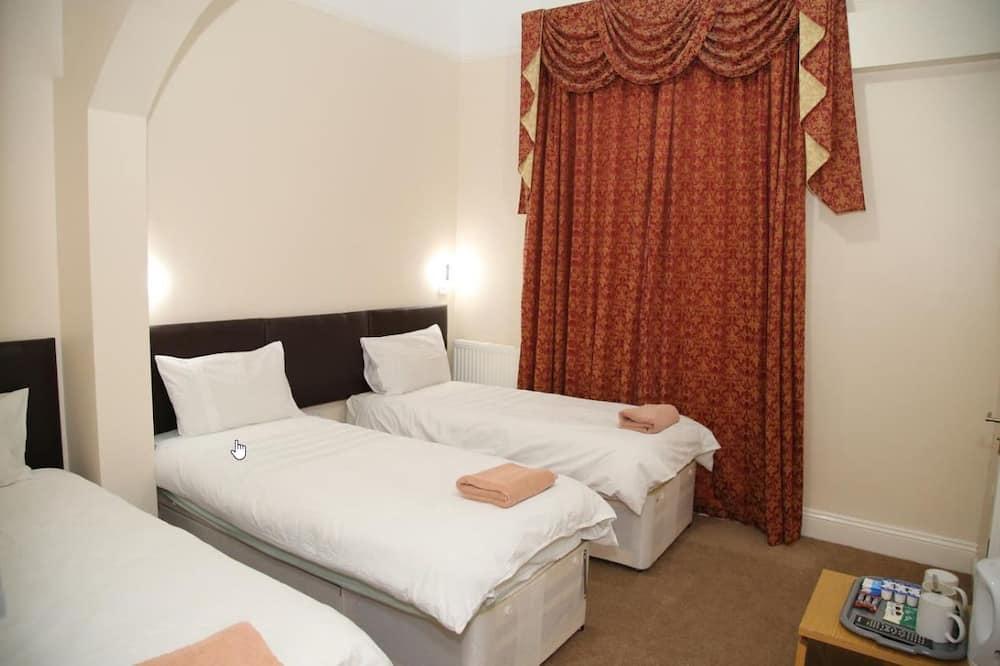 Deluxe Triple Room, Ensuite - Guest Room