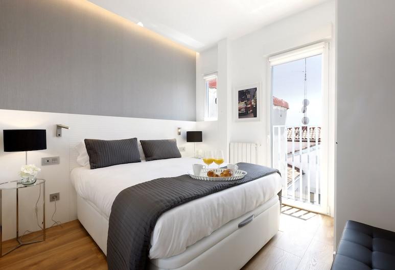 Isabel - Madflats Collection, Madrid, Premium Apartment, 1 Bedroom, Room