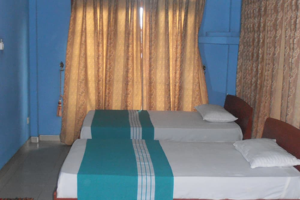 חדר דה-לוקס לשלושה, ללא עישון - חדר אורחים