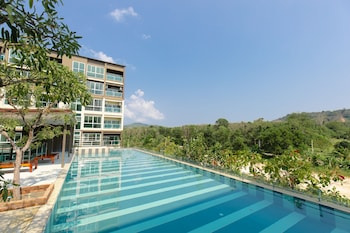 Picture of JJ Airport Phuket Condotel by O  in Mai Khao